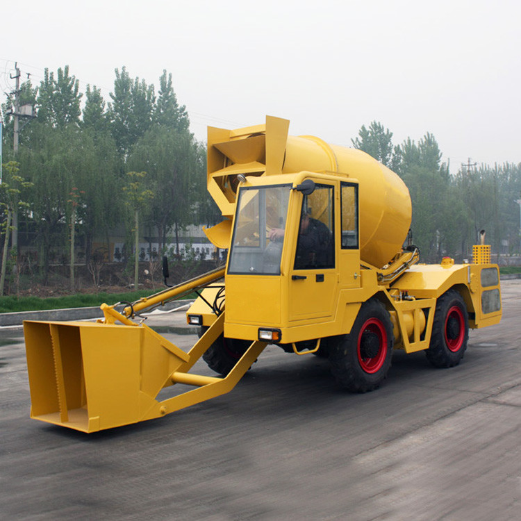 Double Cone Roll Concrete Construction Equipment , 1.2m3 Self - Feeding Concrete Mixers 55kw 4500kg